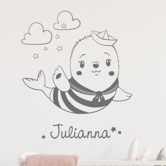 Décor mural bébé phoque avec prénom Stickers Chambres Enfants Gali Art